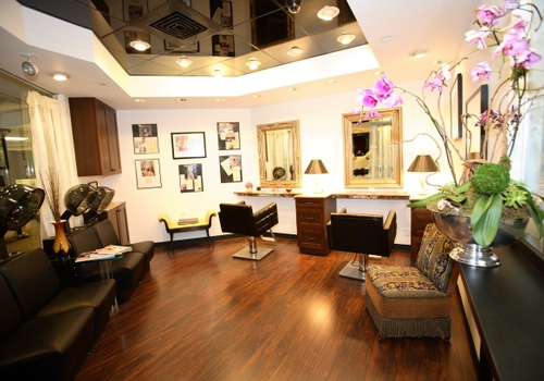 Aura Day Spa And Salon